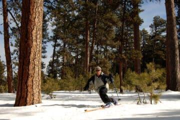 man telemark skiing