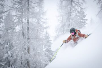 man with fogging ski goggles