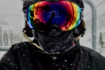 Bluetooth ski and snowboard helmet