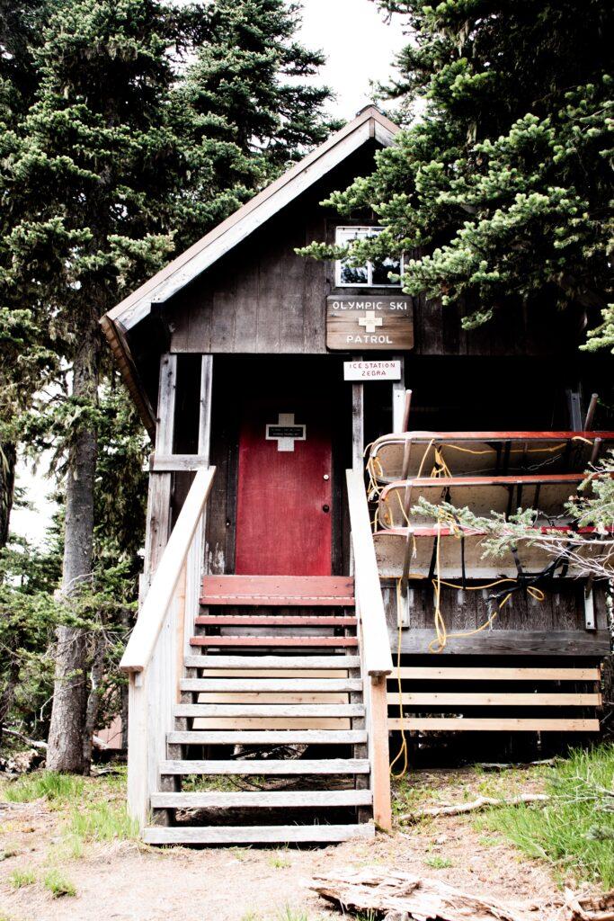 ski patrol lodge