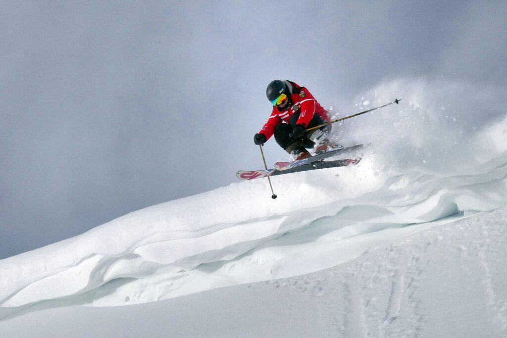 skier on short skis