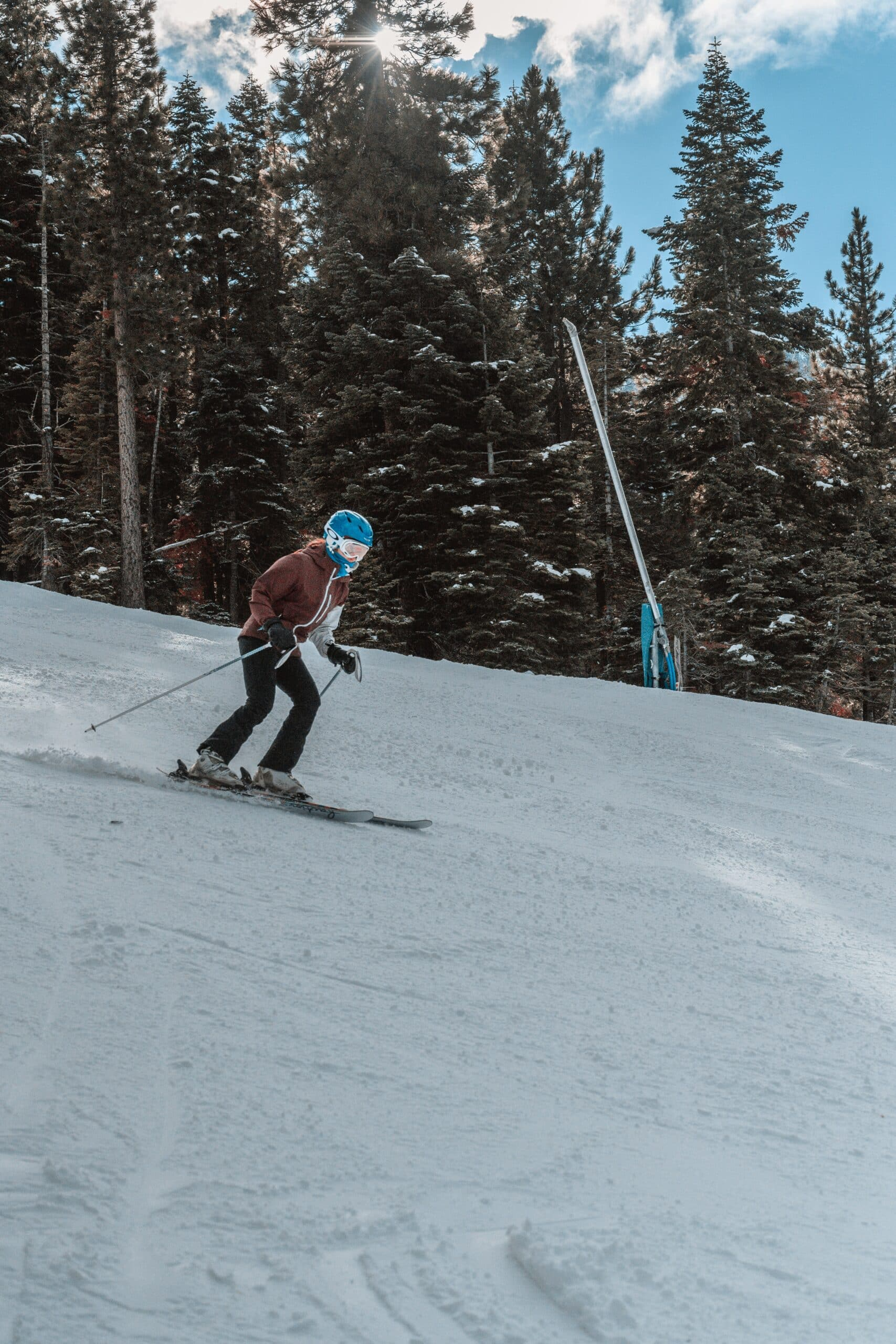 Man in plug fit ski boot