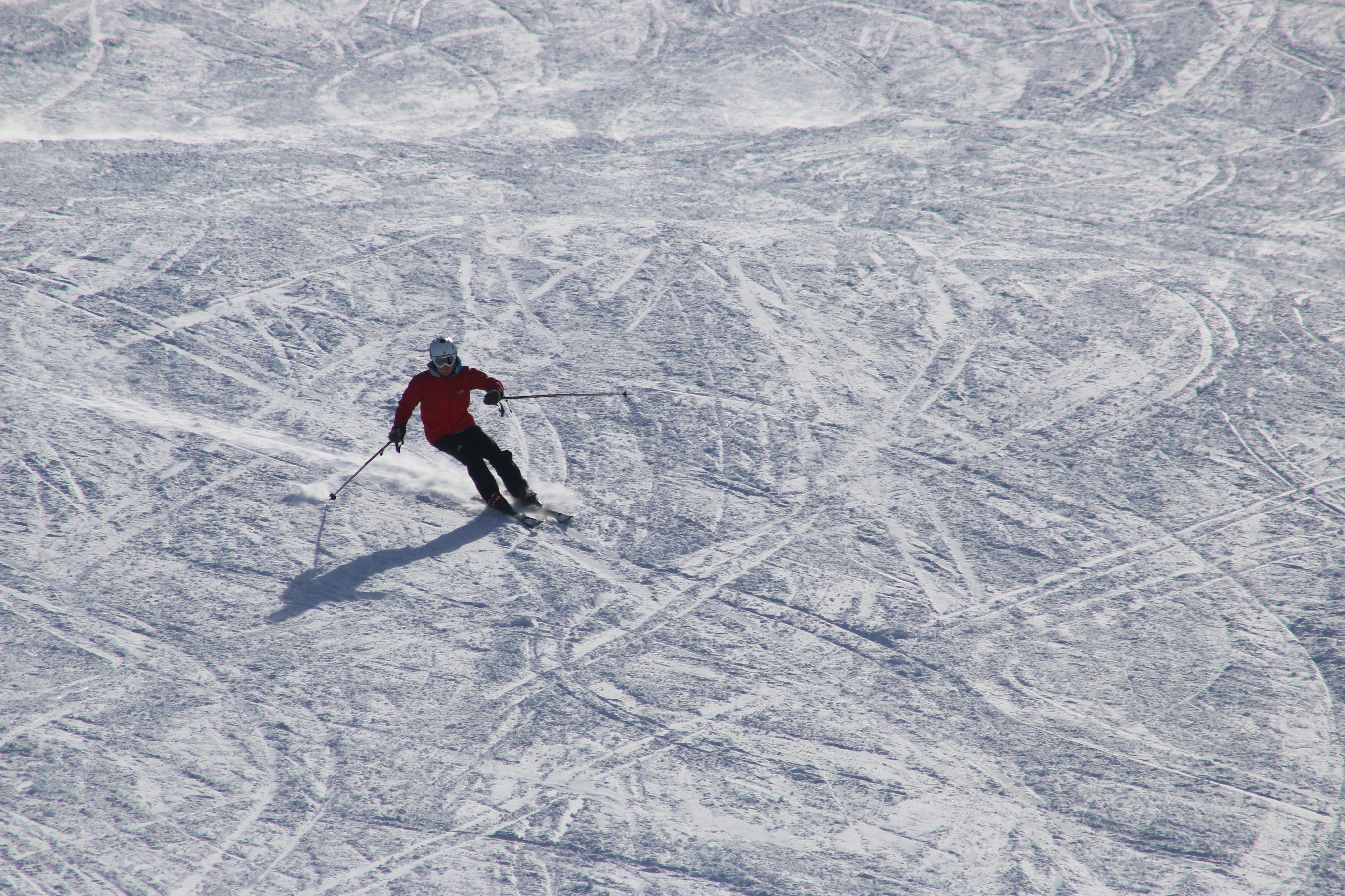 man alpine skiing