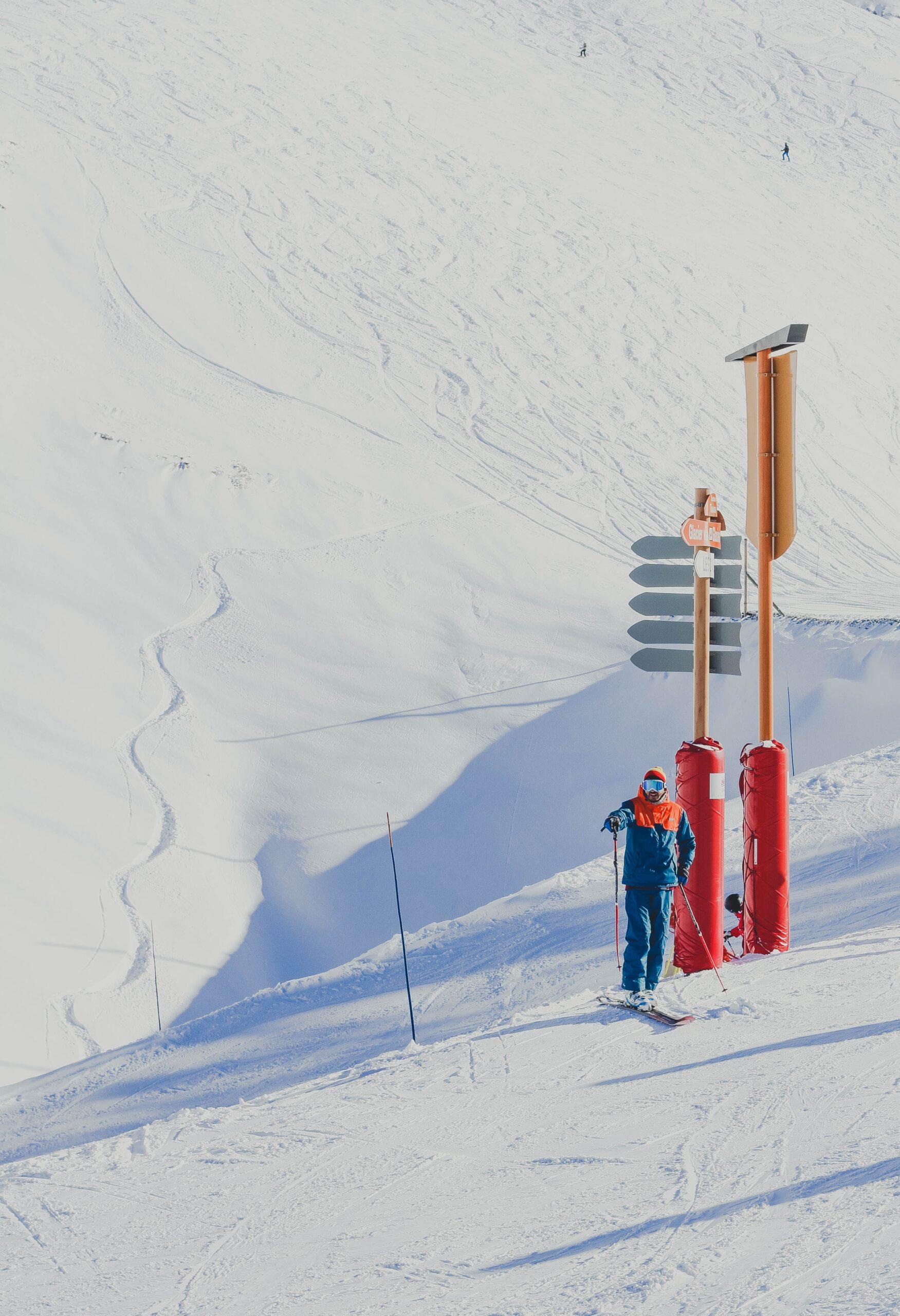 man in best ski mittens