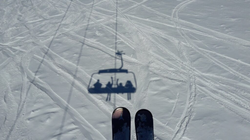 tip protectors on skis