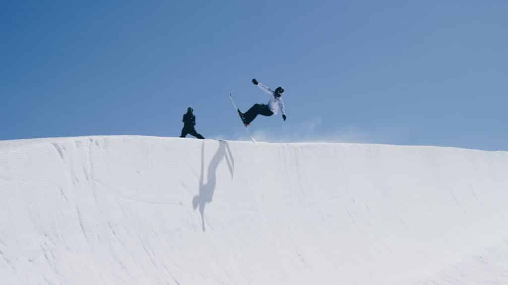 no poles skiing